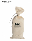 Salt: French sea salt i pose