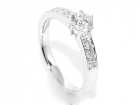 Frierring hvitt gull diamanter 0.74ct GIA