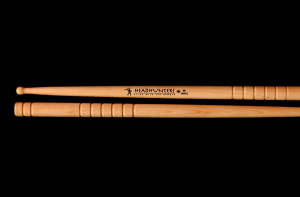 Bilde av HEADHUNTER maple Grooves BB trommestikker (1 par)