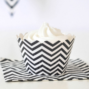 Bilde av CHEVRON BLACK CUPCAKE WRAPPER