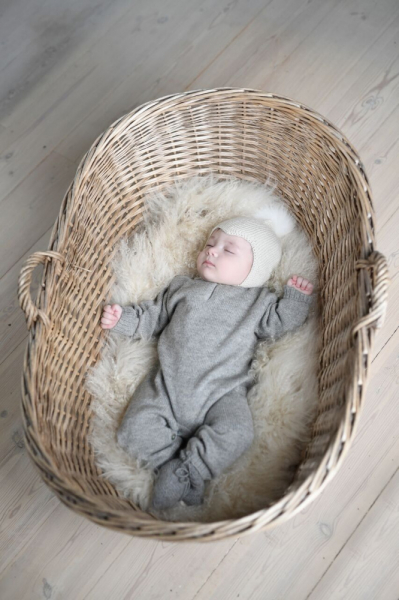 Babylue i alpakkaull hut off white fra Huttelihutt